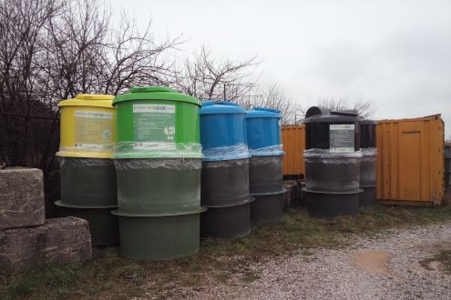 Twenty underground containers for the recycling of packaging waste delivered  in Sarajevo