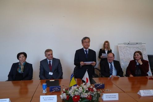 In the Embassy of Japan, a contract on donation for waste collecting vehicles purchase in the Kladanj Municipality was signed