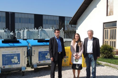 Ekopak handed infrastructure for the establishment of five eco-island, sets of buckets for kindergardens and vehicle for the selective collection of packaging waste to municipality of Novi Travnik