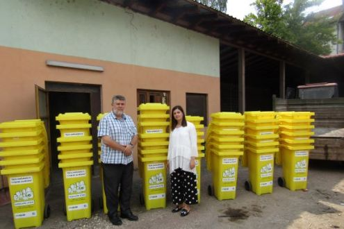 Additional bins for collection of packaging waste from the households delivered to the Municipality of Breza